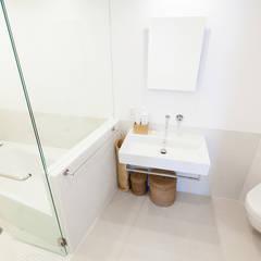ブルースタジオ 水まわりはドイツ製品をそろえて一新: 株式会社ブルースタジオが手掛けた浴室です。