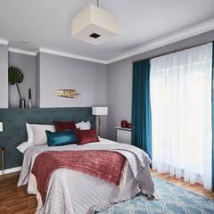 Dom na sprzedaż okolice Łomianek: styl , w kategorii Sypialnia zaprojektowany przez Mhomestudio
