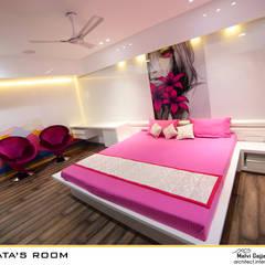 Bedroom: modern Bedroom by malvigajjar