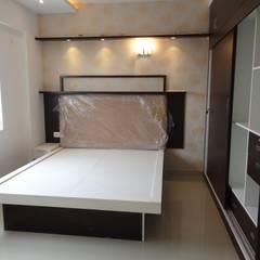 Dormitorios de estilo asiático por Scale Inch Pvt. Ltd.