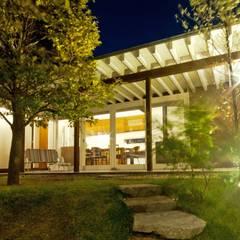 Jardines de estilo escandinavo por FrameWork設計事務所