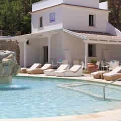 Realizzazioni: Hotel in stile  di Sun Moon