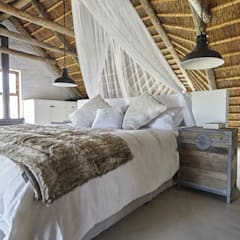 Kleinbos:  Bedroom by Full Circle Design