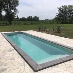 Kolam renang halaman by Aquazzura Piscine