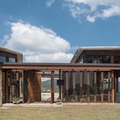 CASA GOZU: Casas de estilo  por OPUS