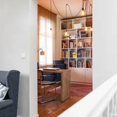 Rénovation d'une maison Tourangelle: Bureau de style de style eclectique par MadaM Architecture