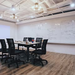 Offices & stores by 有偶設計 YOO Design,