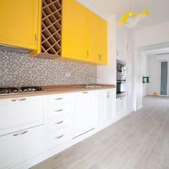 آشپزخانه by Falegnameria Grelli Danilo