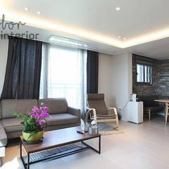 Living room by 디자인 아버,