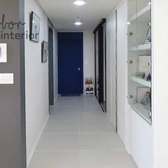 Industrial corridor, hallway & stairs by 디자인 아버 Industrial