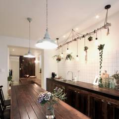 Nhà bếp by 디자인투플라이