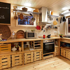 Kitchen units by Rusticasa