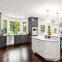 Cocinas de estilo  por Main Line Kitchen Design,