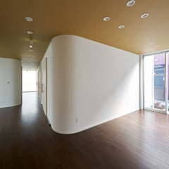 川越のグループホーム: 山本晃之建築設計事務所が手掛けた壁です。