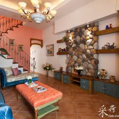 ห้องนั่งเล่น by 采荷設計(Color-Lotus Design)