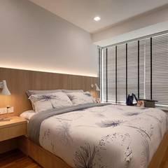 Minton Condo Interior Design Singapore:  Bedroom by Posh Home,