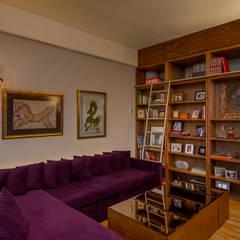 Departamento DV (2016): Salas multimedia de estilo  por Weber Arquitectos, Ecléctico