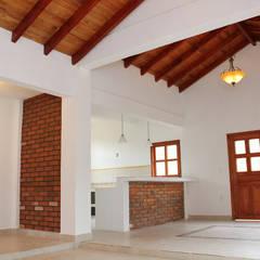 ALGUNAS DE NUESTRAS CONSTRUCCIONES REALIZADAS: Comedores de estilo clásico por GRUPO CONSTRUCTOR RIO DORADO (MRD-TADPYC)