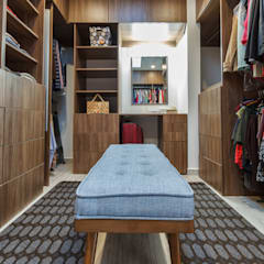 Modern dressing room by SANTIAGO PARDO ARQUITECTO Modern