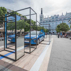 The Town in Blue: Ferias de estilo  de  Simona Garufi