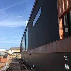 เรือยอร์ชและเรือเจ็ท โดย Artglam - construção, มินิมัล
