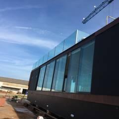 Projekty, minimalistyczne Jachty i motorówki zaprojektowane przez Artglam, Lda