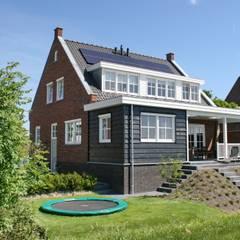 Klassieke dijkwoning Sliedrecht :  Huizen door Brand BBA I BBA Architecten