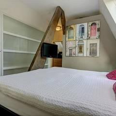Verbouwing woonhuis Vinkeveen: industriële Slaapkamer door Architectenbureau Ron Spanjaard BNA