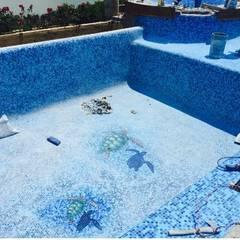 CONSTRUCCION DE ALBERCA : Albercas de estilo  por Albercas Aqualim Toluca