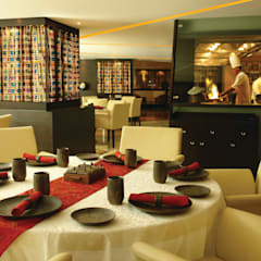 Restaurants:  Bars & clubs by Zeba India Pvt. Ltd.