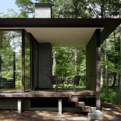 インナーテラス: atelier137 ARCHITECTURAL DESIGN OFFICEが手掛けたテラス・ベランダです。