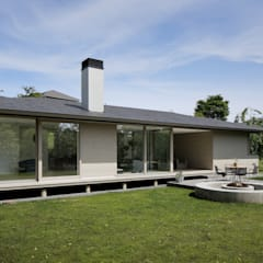 048君津Sさんの家: atelier137 ARCHITECTURAL DESIGN OFFICEが手掛けた家です。,北欧 木 木目調