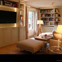 اتاق نشیمن توسطWagner Möbel Manufaktur, کلاسیک