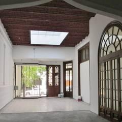 Interior Local 1: Estudios y oficinas de estilo clásico por MSA ESTUDIO DE ARQUITECTURA