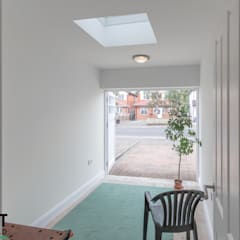 The Ruislip Side Extension:  Garage/shed by The Market Design & Build