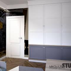 DOMOWY GABINET Z POMYSŁEM: styl , w kategorii Domowe biuro i gabinet zaprojektowany przez MIKOŁAJSKAstudio