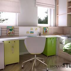 KOLOROWY POKÓJ DZIECĘCY : styl , w kategorii Pokój dziecięcy zaprojektowany przez MIKOŁAJSKAstudio