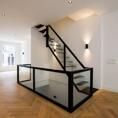 راهرو by Van Bruchem Staircases & Interiors