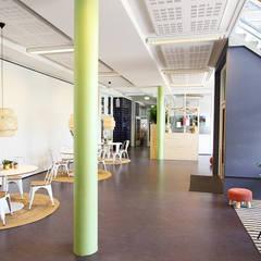 Hoofdgebouw basisschool Het Spectrum Delfgauw Moderne scholen van Nya Interieurontwerp Modern