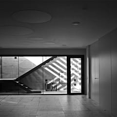 Vivienda Unifamiliar en Argaray: Garajes de estilo  de Rafael Hernáez Loza AITEC Proyectos