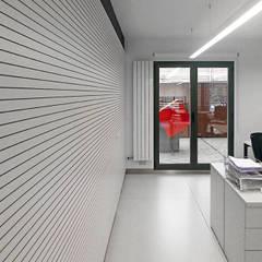 Oficina Proviser. Nájera: Salas multimedia de estilo  de Rafael Hernáez Loza AITEC Proyectos