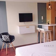 Studio Apartment - Bintaro Plaza Residence: Ruang Makan oleh RANAH, Skandinavia