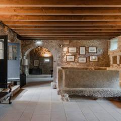 Hotel Paço de Vitorino Adegas rústicas por PROD Arquitectura & Design Rústico