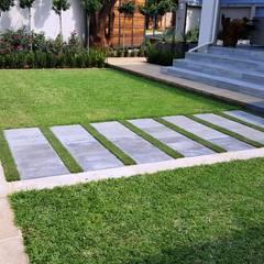สวน โดย Gorgeous Gardens, โมเดิร์น
