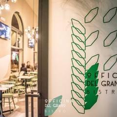 ingresso: Ingresso & Corridoio in stile  di      Massimo Viti Architetto                                   studio Architectural Make-Up+