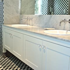 Bathroom vanity:  Bathroom by Turquoise