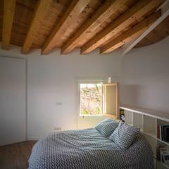 Casa Proa: Dormitorios de estilo  de Sr.