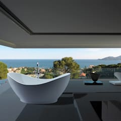 MTI Bath Exclusive Alberta Dealer:  Bathroom by Serenity Bath,
