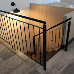 Pasillos, vestíbulos y escaleras rústicos de homify Rústico