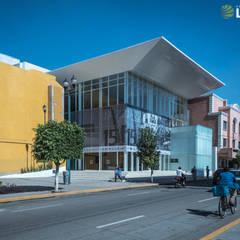 Exterior Teatro de la Ciudad: Centros de exhibiciones de estilo  por Grupo Link